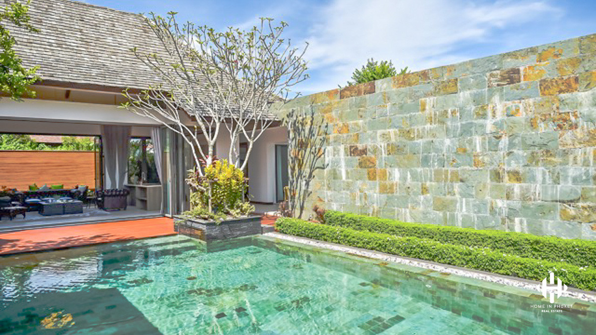 Idyllic Lakefront Pool Villas near Laguna