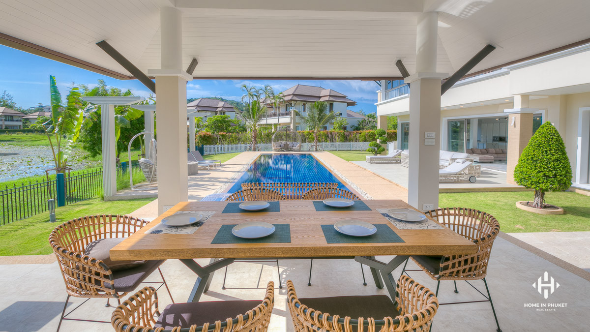 4-Bed Luxurious Residence in Laguna
