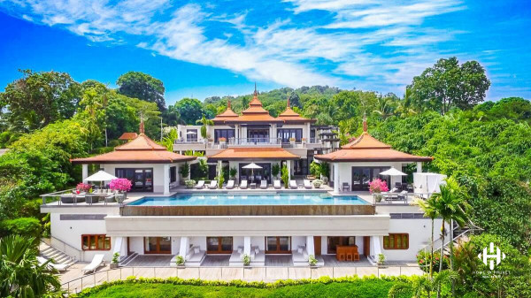 Heavenly 6 Bed Villa in Layan