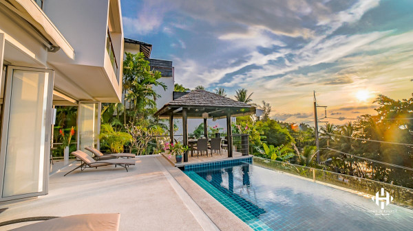 4 Beds Modern villa near Surin Beach