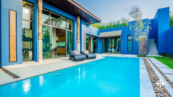 Classy Pool Villa Close to Laguna