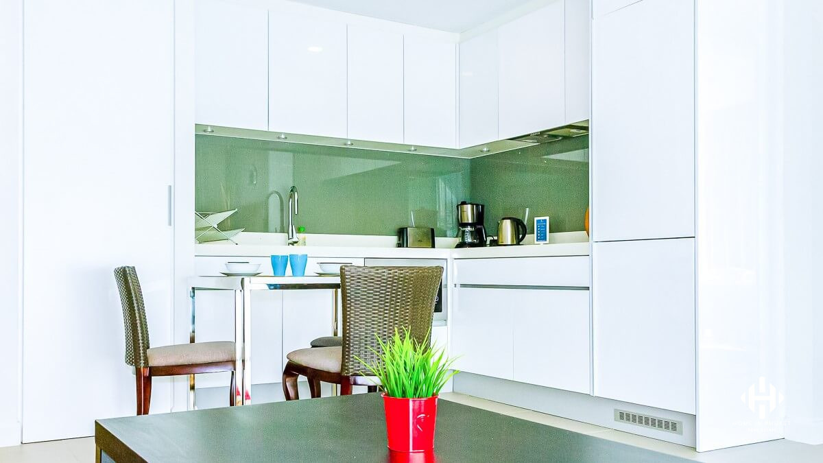 Freehold 2-Bed Condo in Bangtao