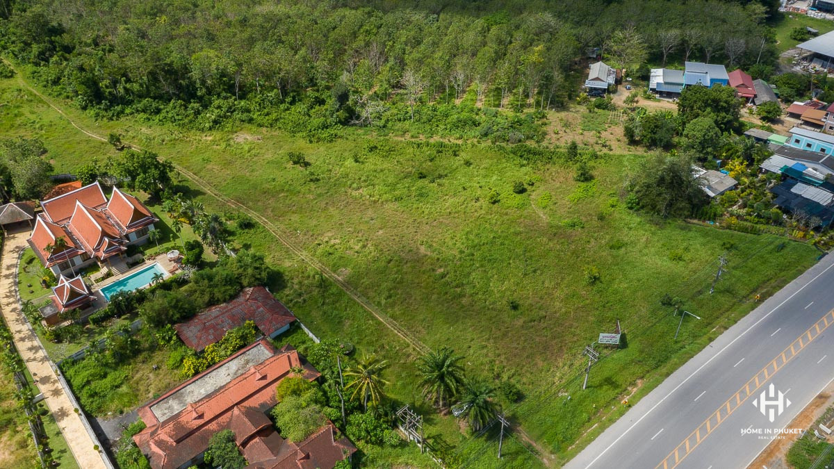 8.5 Rai Land Plot on the Main Road near Cherngtalay