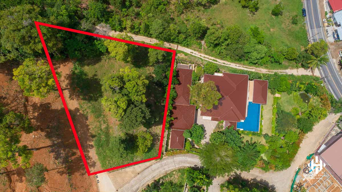 Lake and Golf View Land in Kathu