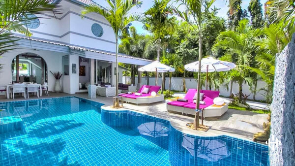 Chic 3-Bed Pool Villa in Nai Harn
