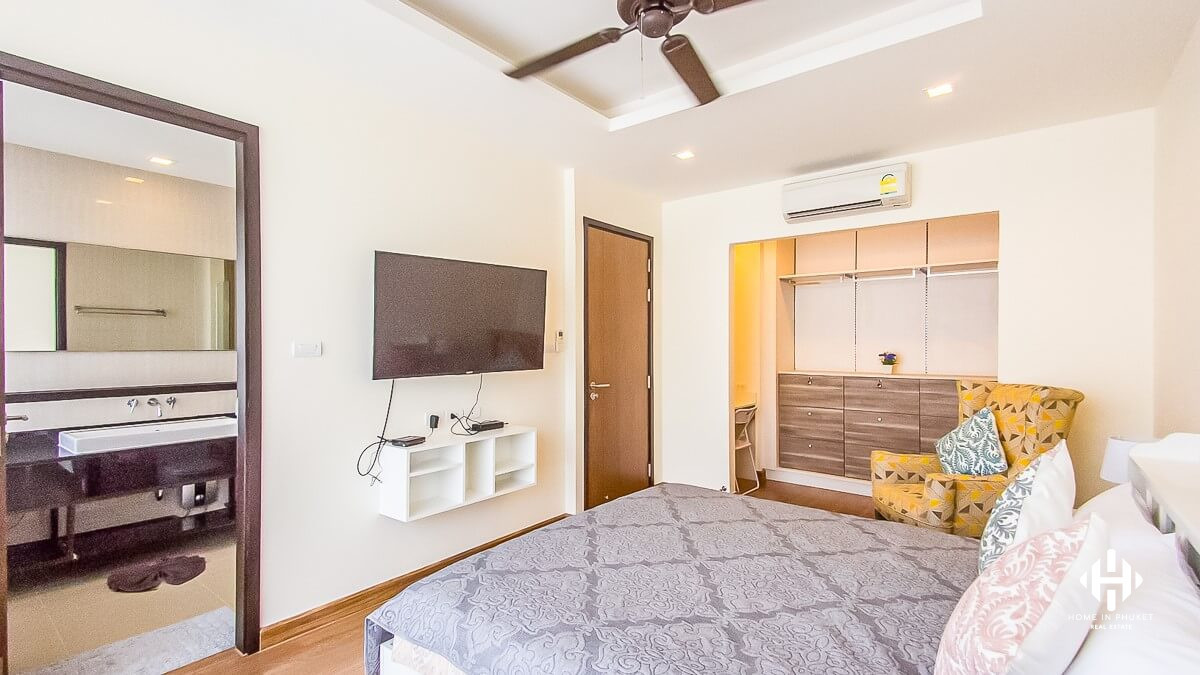 Modern 3-Bedroom Townhome in Laguna