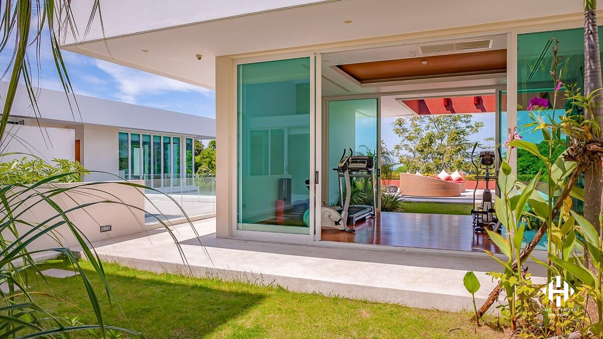 Superb Oceanfront Villa in Kamla