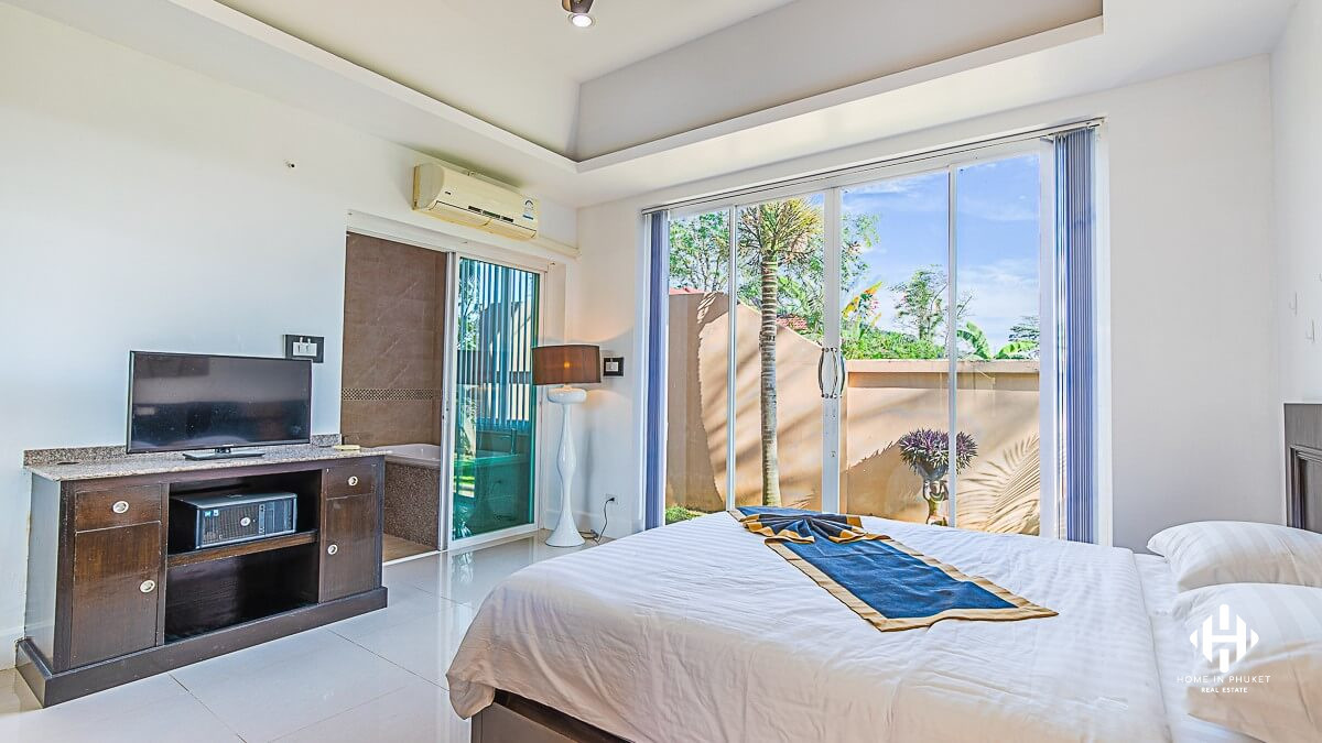Peaceful pool villa in Thalang