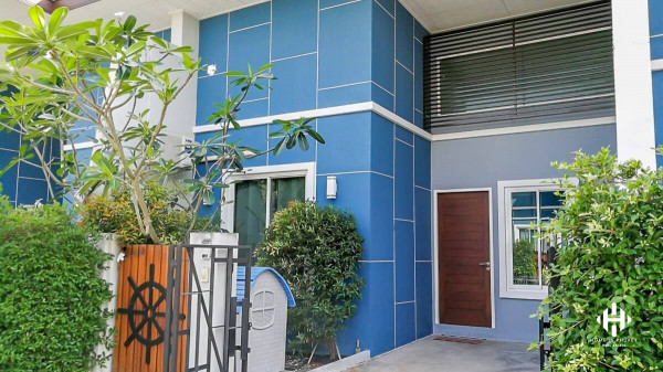 Detached Townhome in the Phuket Town