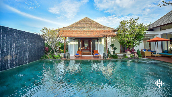 Idyllic 4 & 5 Bedrooms Private Pool Villa closest to Laguna Complex