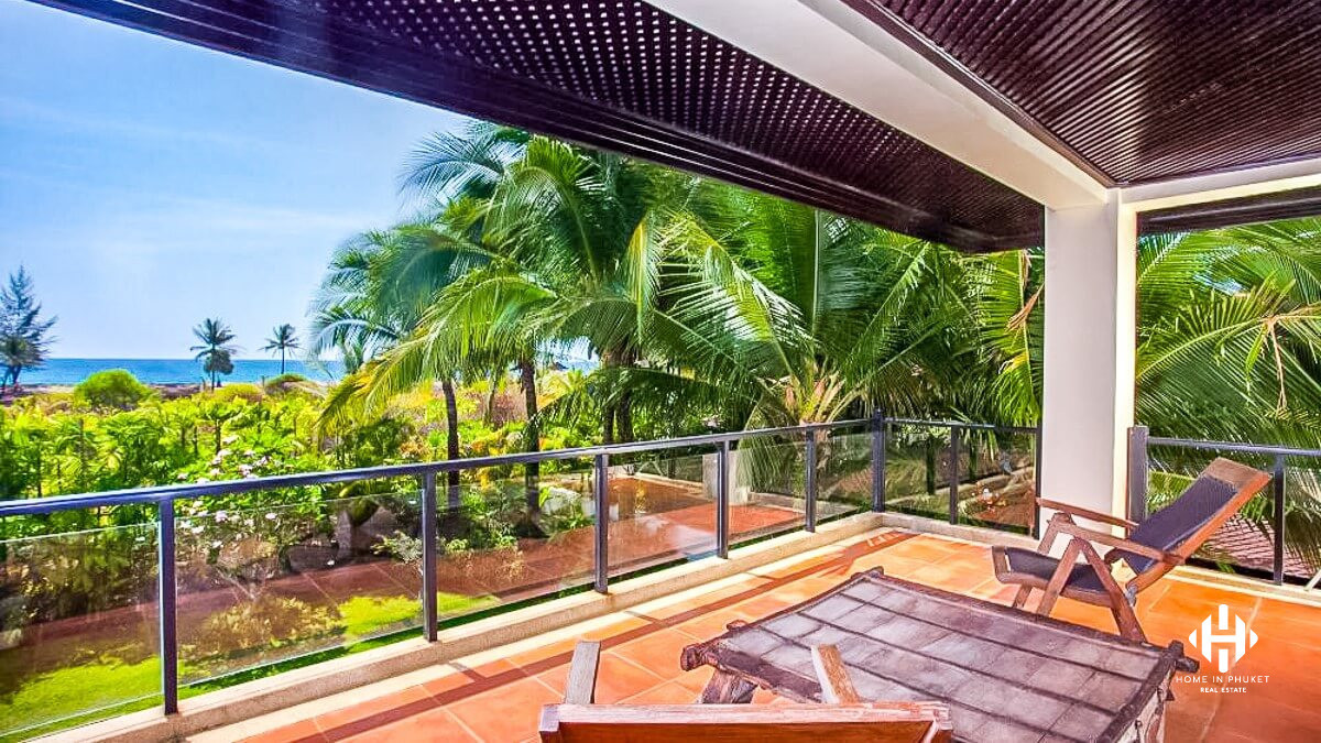 6-Bed Pool Villa Across from the Beach