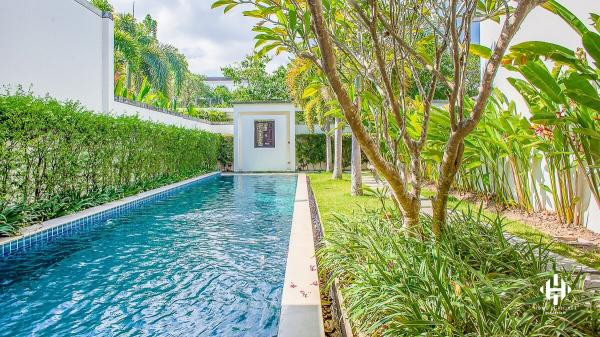 The spacious 4 Beds Villa in Bangtao