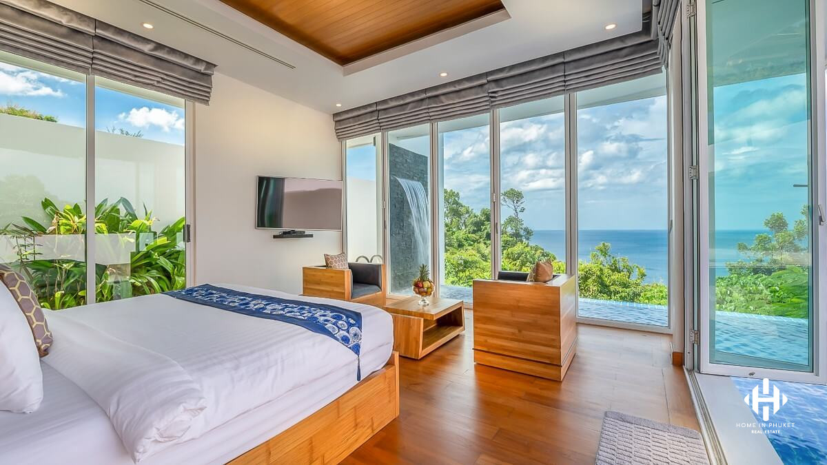 Superb 6-Bed Oceanfront Villa in Kamla