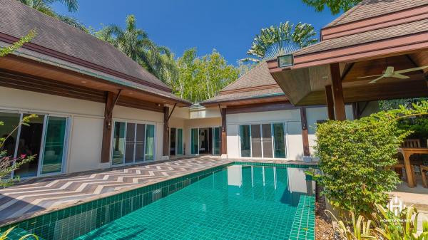 Balinese 3-Bed Pool Villa near BIS