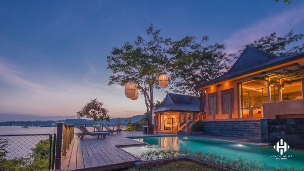 Tropical Oceanfront Villa at Ao Makham