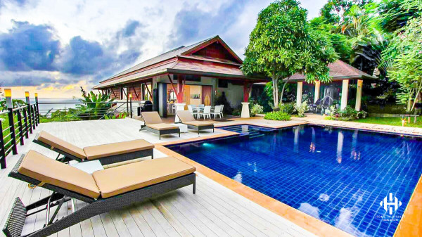 Stunning 5-Bed Sea View Villa near Patong