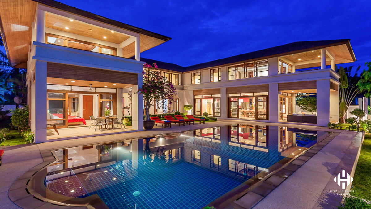 Golf Front Mansion in Kathu