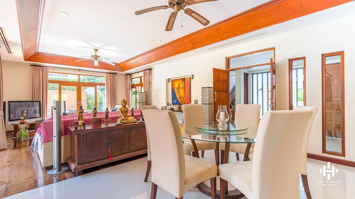 Elegant 3-Bed Pool Villa in Chalong