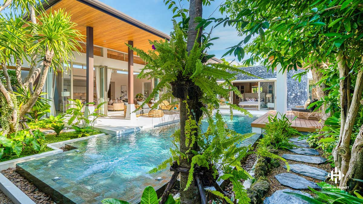 Luxurious Tropical 4-Bed Pool Villa in Bangtao